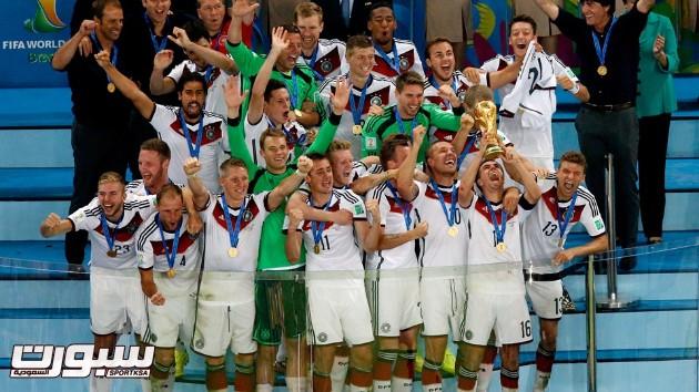 فرحة المانيا بكأس العالم 2014 - 15