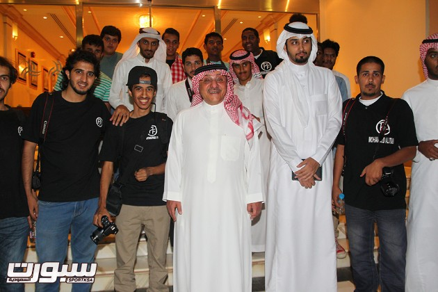 رئيس الشباب خالد بن سعد  يُدشن مسابقة التصوير الرياضي ( روحك رياضية)