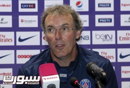 مدرب باريس سان جيرمان قلق من خطورة ليفركوزن في الكرات الثابتة
